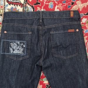 7 FOR ALL MANKIND NWOT Straight Leg
